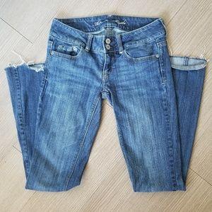 American Eagle jeans long size 2 artist like new